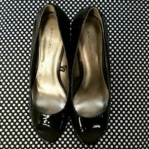 Bandolino patent finish open toe heels sz 6M